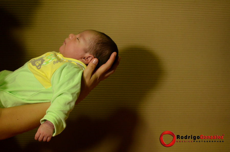 Sesion-de-recien-nacido_rodrigo-gonzalez_8318