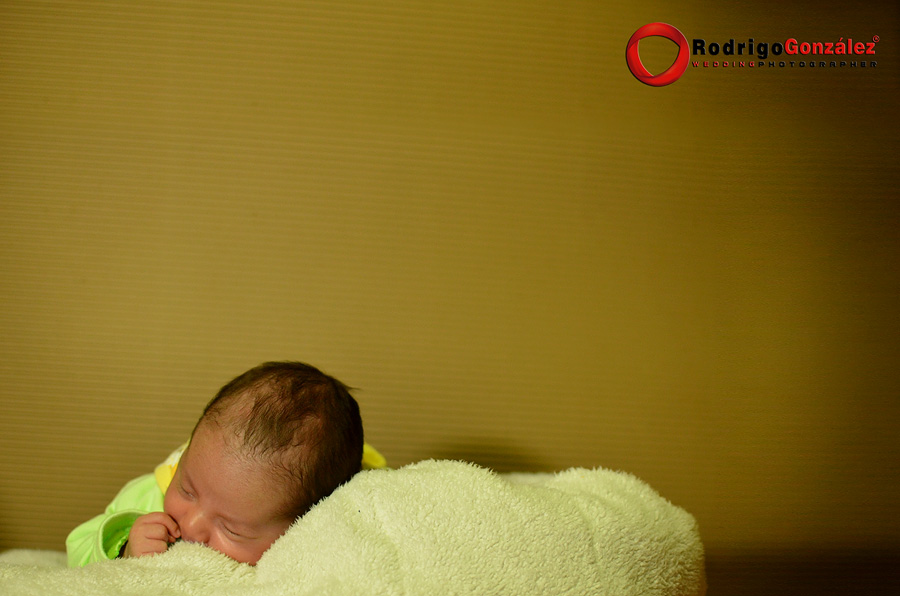 Sesion-de-recien-nacido_rodrigo-gonzalez_8319