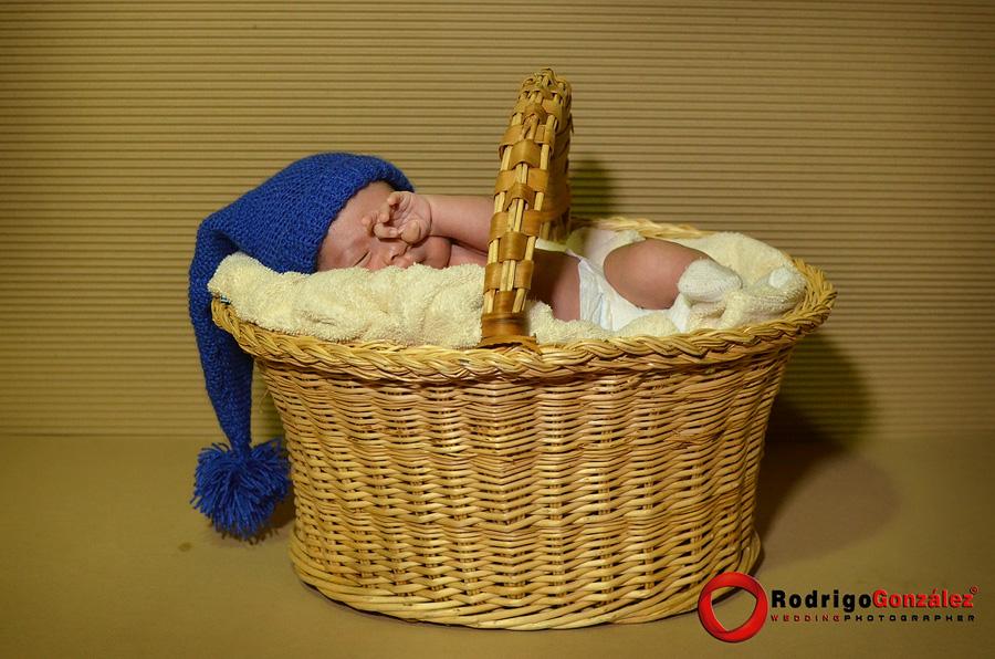 Sesion-de-recien-nacido_rodrigo-gonzalez_8322