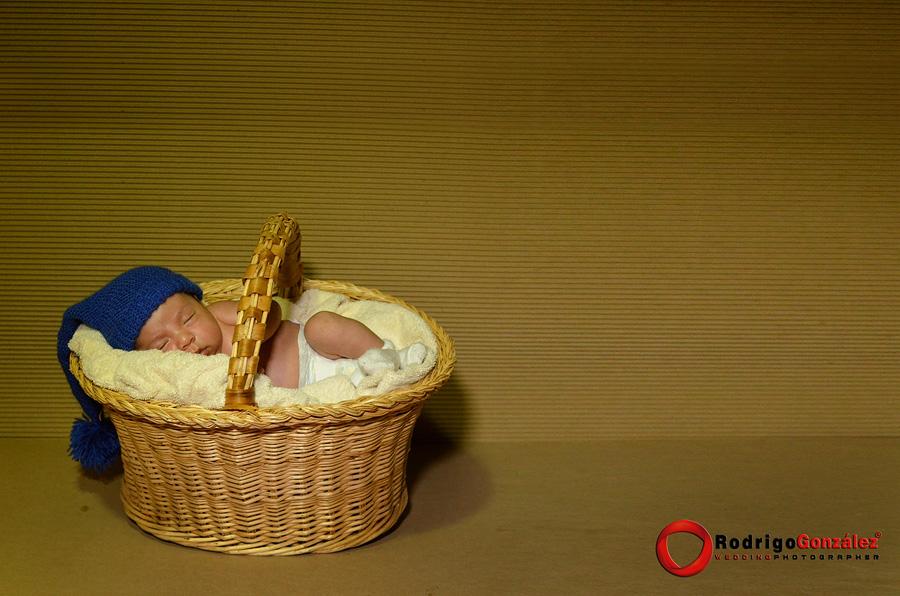Sesion-de-recien-nacido_rodrigo-gonzalez_8324
